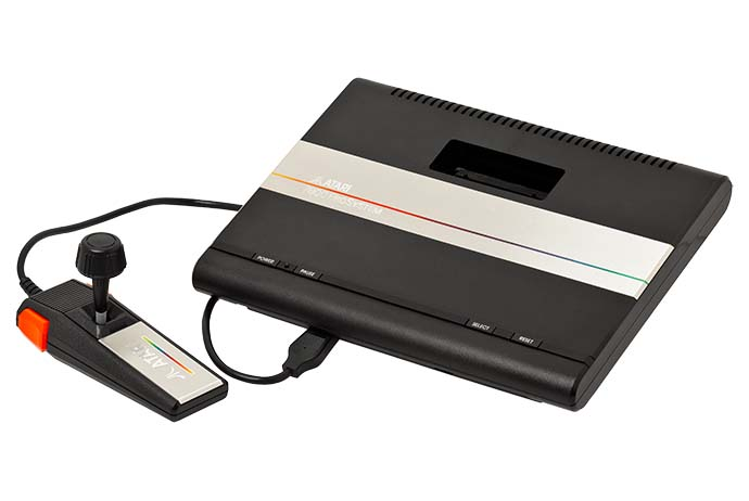 Atari 7800 - CC-BY-SA Evan Amos